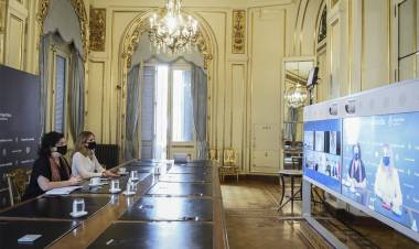 El Gobierno inició diálogo con China e Israel para producir vacunas en Argentina