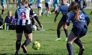 Fútbol Femenino: Las Tatanas siguen sacando ventaja⠀