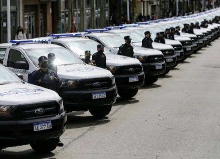 El lunes llegará a Bahía el gobernador Kicillof para entregar patrulleros