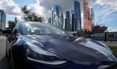 Tesla utilizará la cámara interior para monitorear al conductor en el modo autónomo Autopilot