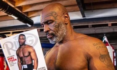 Mike Tyson criticó a Floyd Mayweather por pelear con un rival de mayor peso