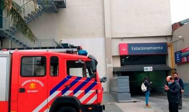 Córdoba: se cayó un ascensor y dos  adolescentes resultaron heridos