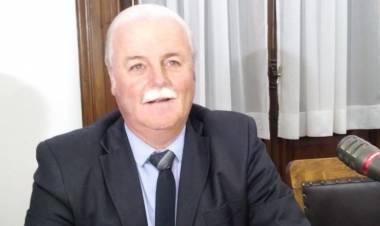 Alberto Fernández, el Concejal y Productor Agropecuario en diálogo con Miguel Menchi