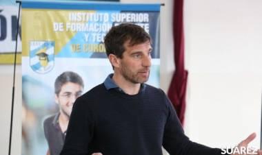 Capacitación en fútbol dictada por el preparador físico Lucas Maggiolo