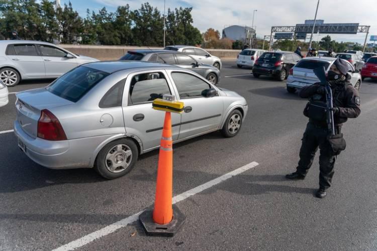 El gobierno bonaerense confirmó que el domingo se terminará el confinamiento estricto