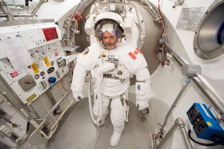 Cuánto gana un astronauta al año y cómo es el proceso de selección para entrar en la NASA