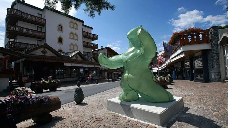 Con obras de artistas argentinos, Bienalsur inaugura una galería al aire libre en Suiza