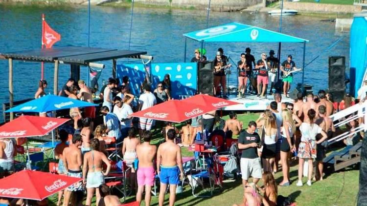 Villa Carlos Paz confirmó la temporada de viajes de egresados 2021